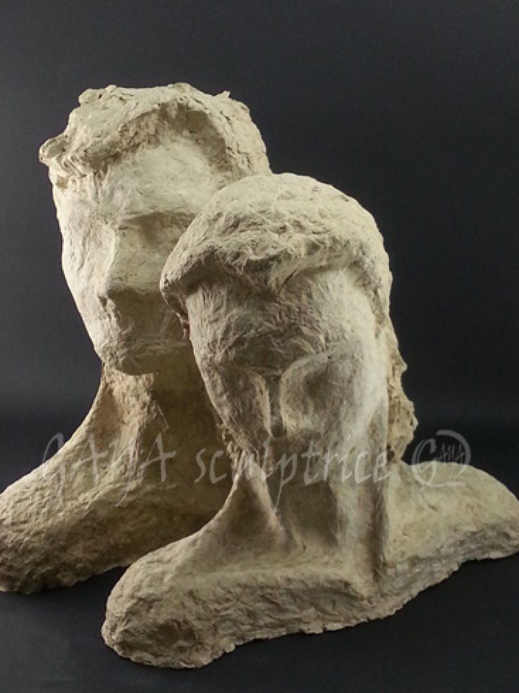 Il/Elle - Papier maché - 2 et 3/1992 - hauteur 30 cm - Collection Privée